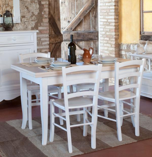 Mobili country castagnetti c mobili decorati for Tavolo da pranzo con sedie